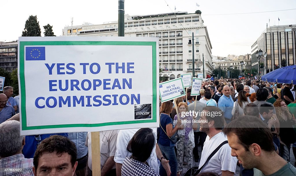 Pro-European Union protesters take part in a rally in front of the parliament on June 18, 2015 in Athens, Greece. Thousends people attended the rally in support of Greece remaining in the EU. About three-quarters of Greeks support keeping the EU's common currency, according to recent polls. Greece and creditors failed to reach an agreement Thursday in troubled bailout talks, with a June 30 deadline looming. .