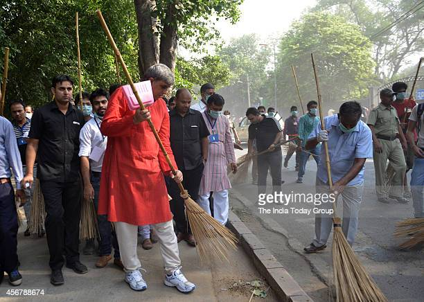 Prof Dinesh Singh launched Swachh Bharat Abhiyan' in Delhi The nationwide campaign aims to clean up India in five years at DU in New Delhi