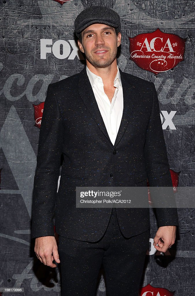 Professional Baseball player Barry Zito arrives at the 2012 American Country Awards at the Mandalay Bay Events Center on December 10, 2012 in Las Vegas, Nevada.