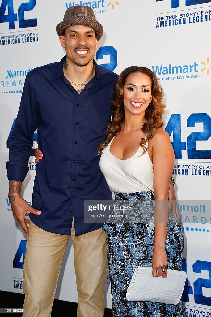Professional basketball player <a gi-track='captionPersonalityLinkClicked' href=/galleries/search?phrase=Matt+Barnes+-+Basketball+Player&family=editorial&specificpeople=202880 ng-click='$event.stopPropagation()'>Matt Barnes</a> (L) and television personality <a gi-track='captionPersonalityLinkClicked' href=/galleries/search?phrase=Gloria+Govan&family=editorial&specificpeople=7070564 ng-click='$event.stopPropagation()'>Gloria Govan</a> attend the premiere of Warner Bros. Pictures' And Legendary Pictures' '42' at TCL Chinese Theatre on April 9, 2013 in Hollywood, California.