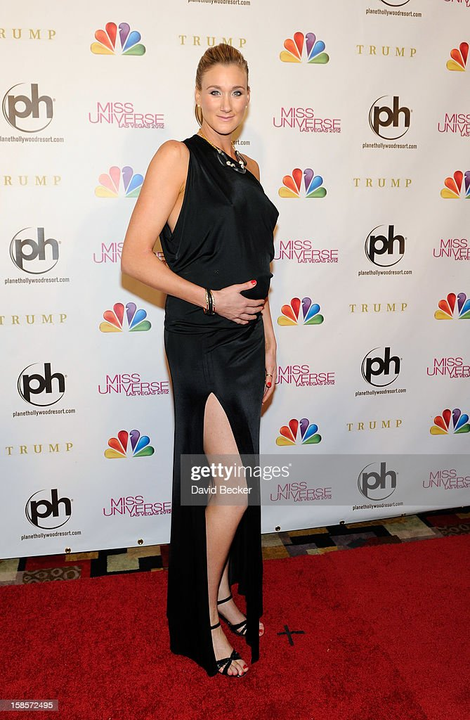 Professional beach volleyball player and pageant judge Kerri Walsh Jennings arrives at the 2012 Miss Universe Pageant at Planet Hollywood Resort & Casino on December 19, 2012 in Las Vegas, Nevada.