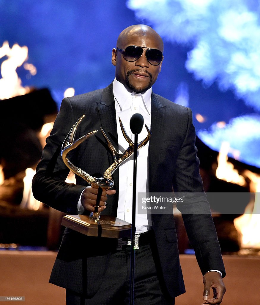 Professional boxer Floyd Mayweather, Jr. accepts The Best Ever award onstage during Spike TV's Guys Choice 2015 at Sony Pictures Studios on June 6, 2015 in Culver City, California.