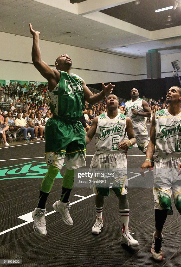 Professional boxer Floyd Mayweather (L) participates in the celebrity basketball game presented by Sprite during the 2016 BET Experience on June 25, 2016 in Los Angeles, California.