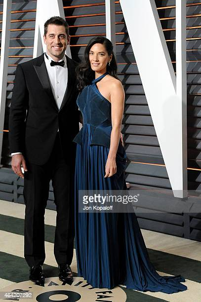 Professional football player Aaron Rodgers and actress Olivia Munn attends the 2015 Vanity Fair Oscar Party hosted by Graydon Carter at Wallis...