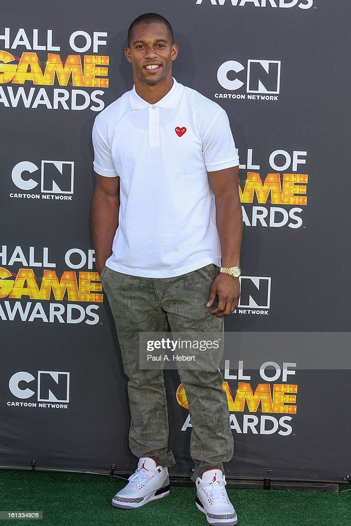 Professional football player Victor Cruz arrives at the 3rd Annual Cartoon Network's 'Hall Of Game' Awards held at Barker Hangar on February 9, 2013 in Santa Monica, California.