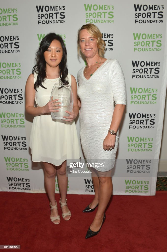 Professional golfer <a gi-track='captionPersonalityLinkClicked' href=/galleries/search?phrase=Annika+Sorenstam&family=editorial&specificpeople=201780 ng-click='$event.stopPropagation()'>Annika Sorenstam</a> (R) poses with tennis player Vivian Hao with the Annika Inspiration Award during the 34th annual Salute to Women In Sports Awards at Cipriani, Wall Street on October 16, 2013 in New York City.