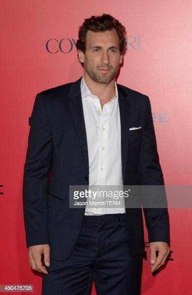 Professional Hockey player Jarret Stoll arrives at the premiere of Lionsgate's 'The Hunger Games Catching Fire' at Nokia Theatre LA Live on November...