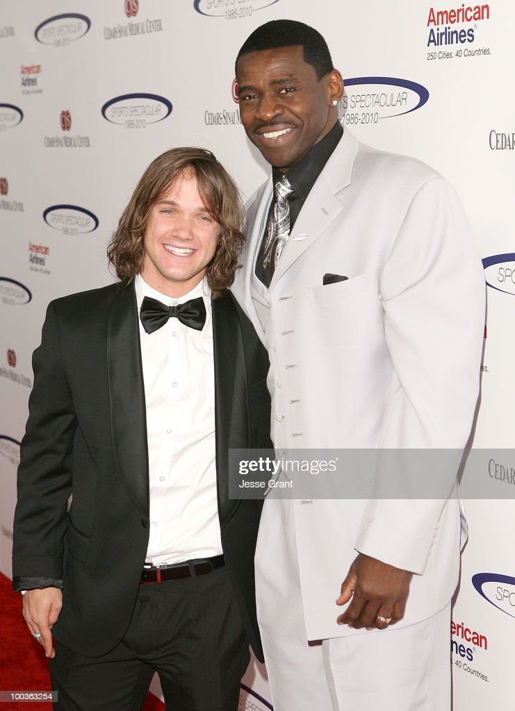 Professional snowboarder Louie Vito and Michael Irvin arrive at the 25th anniversary of CedarsSinai Sports Spectacular at the Hyatt Regency Century...