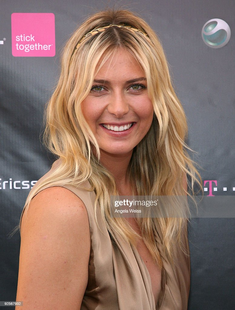 professional tennis player maria sharapova attends the t mobile and sony ericsson maria sharapova look