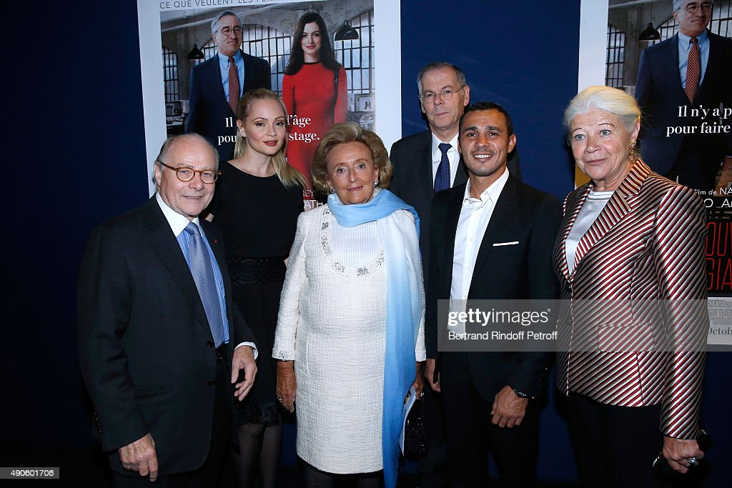 Professor Alain Pompidou, Actress Beatrice Rosen, President of the 'Claude Pompidou Foundation' <a gi-track='captionPersonalityLinkClicked' href=/galleries/search?phrase=Bernadette+Chirac&family=editorial&specificpeople=206432 ng-click='$event.stopPropagation()'>Bernadette Chirac</a>, General Director of 'Claude Pompidou Foundation' Richard Hutin, <a gi-track='captionPersonalityLinkClicked' href=/galleries/search?phrase=Brahim+Asloum&family=editorial&specificpeople=740308 ng-click='$event.stopPropagation()'>Brahim Asloum</a> and Nicole Pompidou attend the 'Le nouveau Stagiare' (The Intern) movie Premiere to Benefit 'Claude Pompidou Foundation', held at Cinema 'UGC Normandie' on September 29, 2015 in Paris, France. Screenng followed by a Dinner
