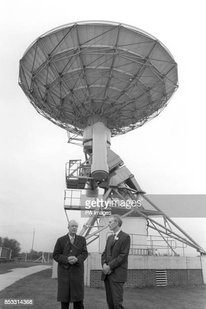 Professor Sir Alan Hodgkin President of the Royal Society and Professor Sir Martin Ryle of the Astronomer Royal with one of the eight 42ft diameter...
