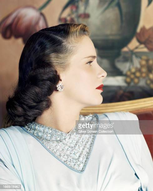 A profile portrait of Italian actress Alida Valli modeling a twotone hairstyle circa 1945