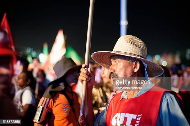 Pro-Gobierno manifestantes en Brasil
