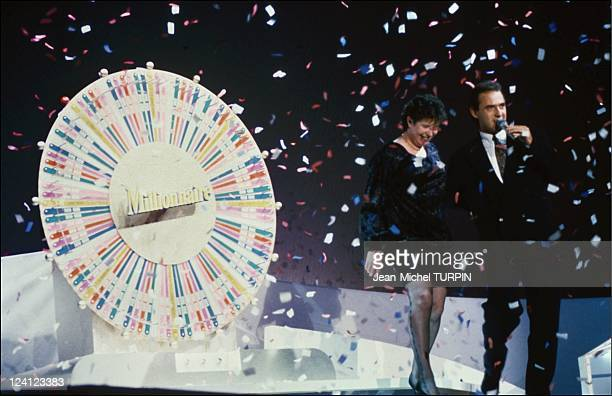 TV program 'Millionnaire' 100th in Paris France on September 29 1992 Philippe Risoli and the winners of the 'Millionnaire'