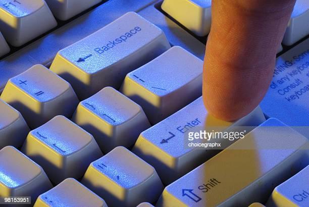 Programmierer erfolgen Schlüssel auf computer-Tastatur