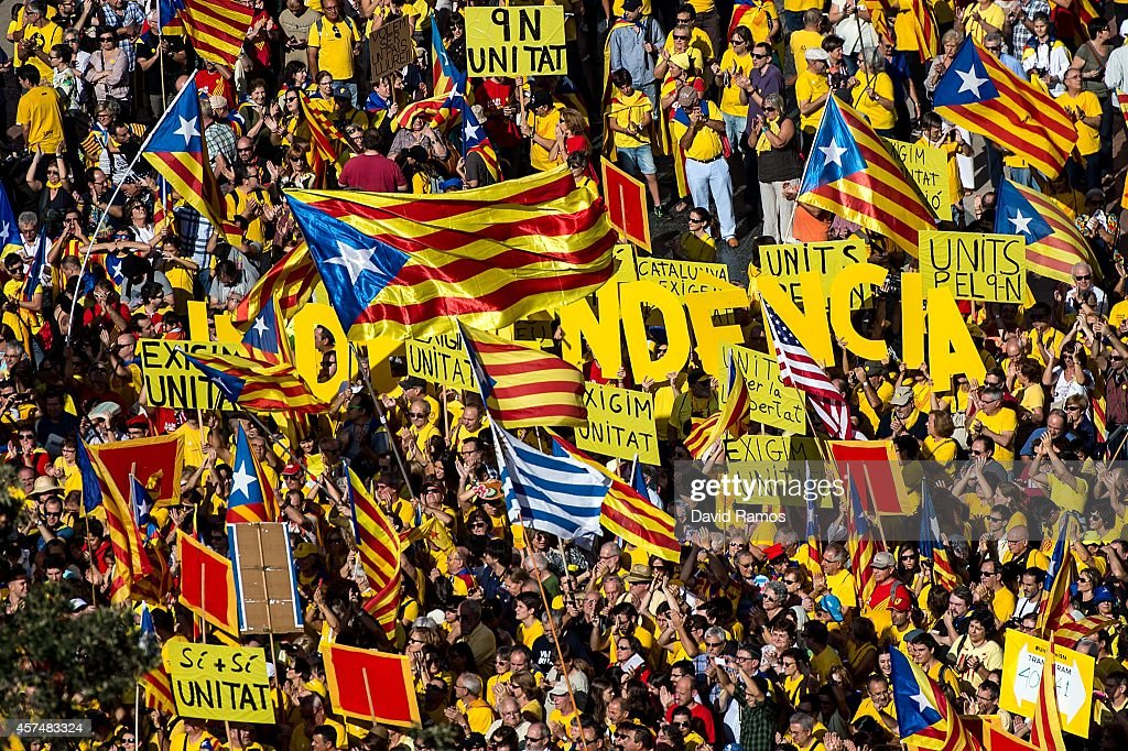 ProIndependence catalans gather in Catalunya square during a ProIndependence rally on October 19 2014 in Barcelona Spain President of Catalonia...