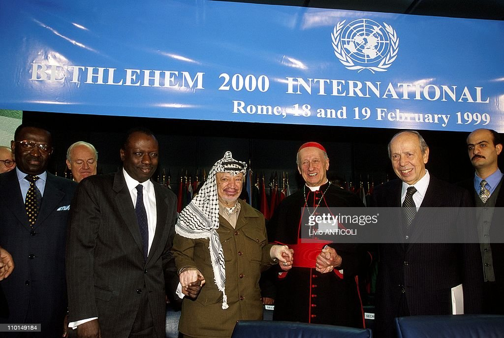 Project of press Conference 'Bethleem 2000' in Rome, Italy on February 18, 1999 - <a gi-track='captionPersonalityLinkClicked' href=/galleries/search?phrase=Jacques+Diouf&family=editorial&specificpeople=632850 ng-click='$event.stopPropagation()'>Jacques Diouf</a>, Y.Arafat, Cardinal Etchegaray and <a gi-track='captionPersonalityLinkClicked' href=/galleries/search?phrase=Lamberto+Dini&family=editorial&specificpeople=221352 ng-click='$event.stopPropagation()'>Lamberto Dini</a>.