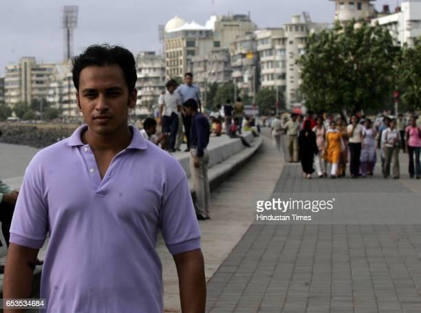 Promenade Mahendra Jadhav at Netaji Subhash Chandra Road Mahendra did not know that Marine Drive was called Subhash Bose Marg