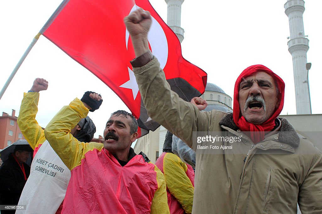Prominent suspects in the Ergenekon coup plot case was released from Silivri Prison in Istanbul The defendants' supporters staged a massive rally in...