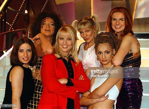 ProminentenPlaybackShow Linda de Mol mit 'Spice Girls' Alexandra Bechtel Radost Bokel sowie Marion Kracht Ulrike von der Groeben und Vera Lind...