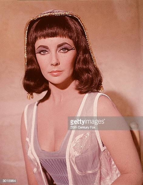 Promorional portrait of Britishborn actor Elizabeth Taylor in costume as the Egyptian queen Cleopatra for the film 'Cleopatra' directed by Joseph...