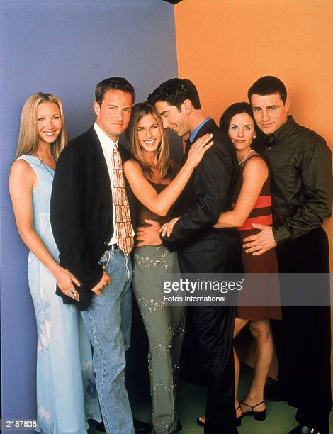 Promotional portait of the cast of the television series 'Friends' circa 1996 LR Lisa Kudrow Matthew Perry Jennifer Aniston David Schwimmer Courteney...