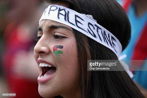 ProPalestinian demonstrators march and chant in support of people in Gaza and Syria in Lafayette Park on the north side of the White House August 8...