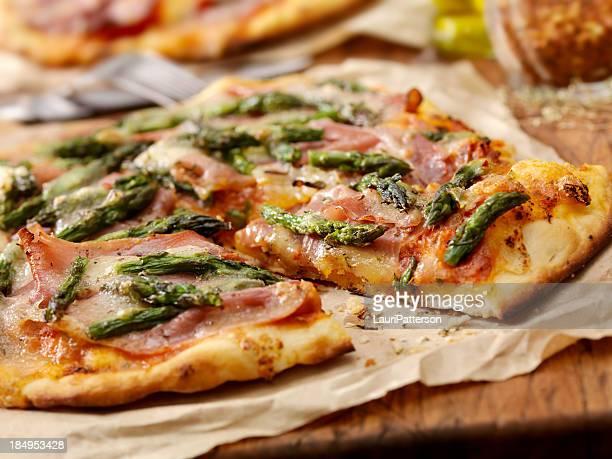 Prosciutto and Asparagus Pizza