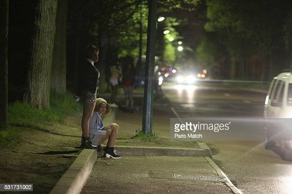 Prostitution in paris photos and images getty images for Salon prostitution paris