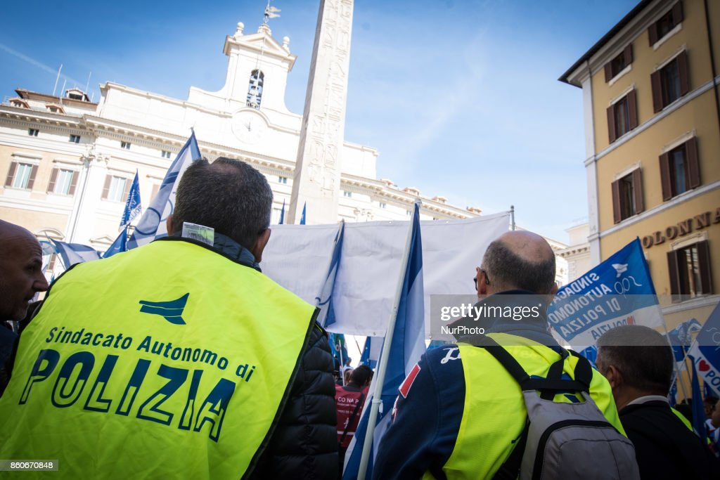 Protest in Piazza Montecitorio of the police unions Sap, Sappe and Conapo, against the government to ask for an extraordinary plan of hirings and a dignified contractual increase for the law enforcement, in Rome, Italy, 12 October 2017