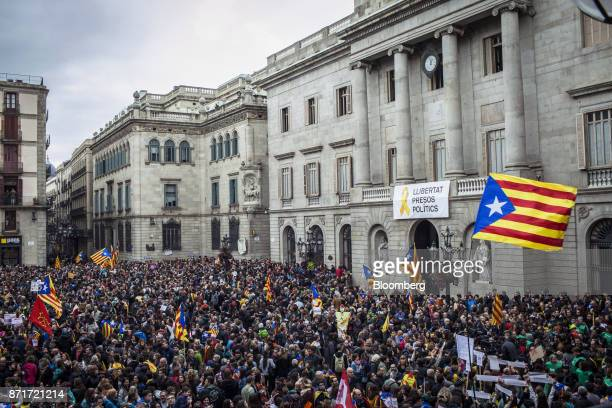 Protesters gather outside the Generalitat regional government offices in Sant Jaume square calling for 'Freedom for political prisoners' during a...