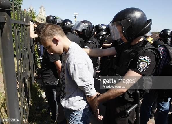 Policemen Gay 79