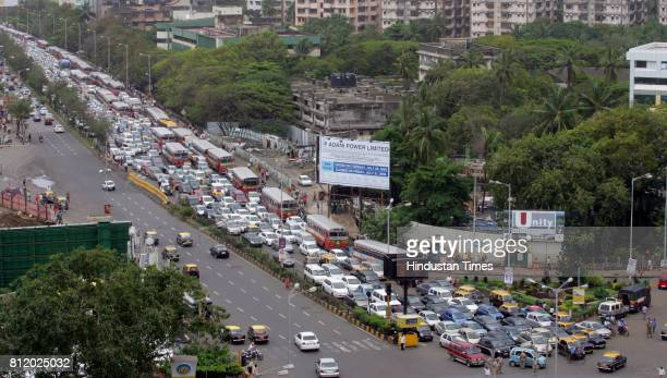 Protests and Demonstration Mumbai Traffic Jam BEST Bus Traffic Jam at Haji ali signal due Rasta Roko by Students of New Era School at Peddar Road in...