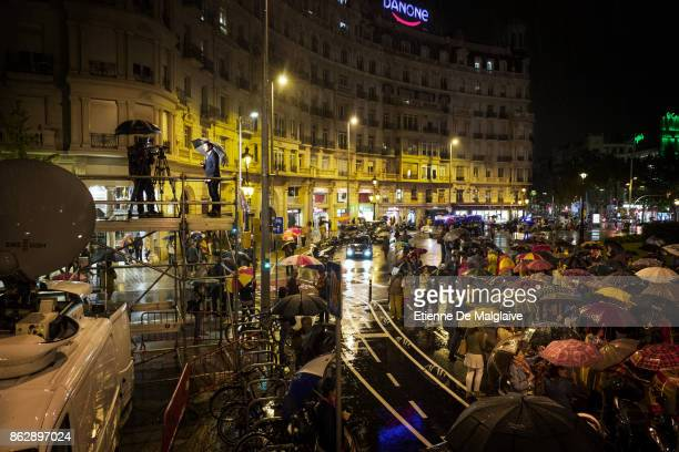 A prounion rally against independence gathered in Barcelona on the eve of the deadline set by the Spanish government asking confirmation of Catalan...