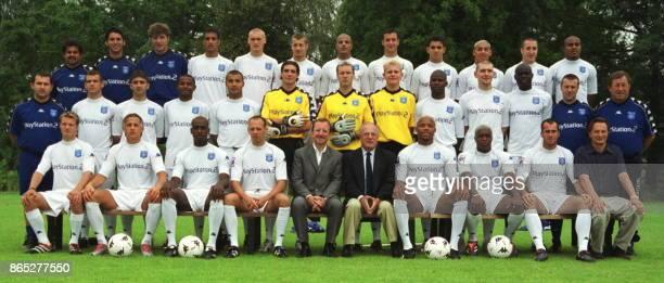 Présentation à la presse le 23 juillet 2001 à Auxerre de la nouvelle équipe de football de l'AJA pour la prochaine saison Teemu Tainio Philippe Mexés...