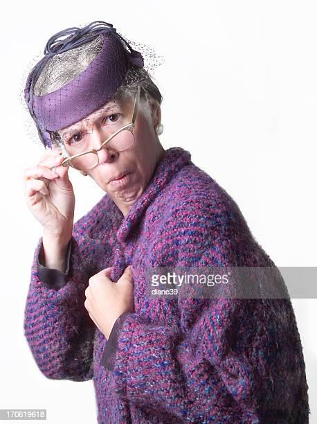prude vieille dame