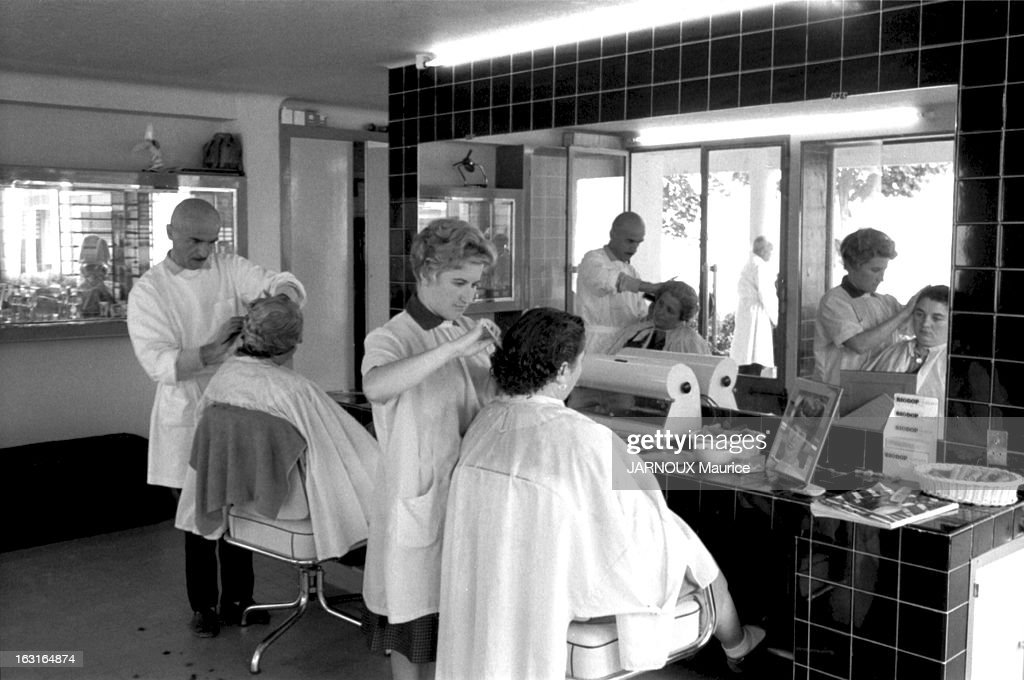 Un Salon De Coiffure Homme Moderne Solutions Pour La