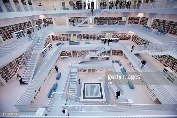 Öffentliche Bibliothek – Innenbereiche