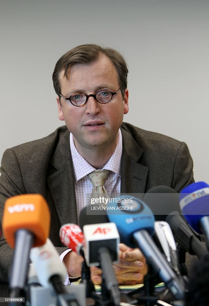 Public Prosecutor's Office spokesman Jean-Marc Meilleur takes part in a press conference concerning the arrest of the possible killer of a judge and a clerk in Brussels on June 4, 2010. Belgian police have arrested an Iranian suspect after a man pulled a gun during a Brussels court hearing and shot dead a woman judge and court clerk before fleeing, the public prosecutor's office said today.