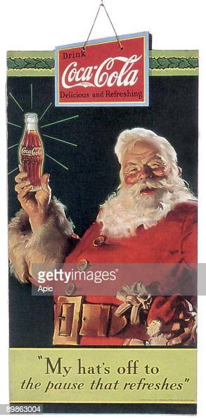 Publicity of Christmas for the soda Coca cola publishing in 1934 and realised by Haddon Sundblom who works for Coca in 1931 to 1960