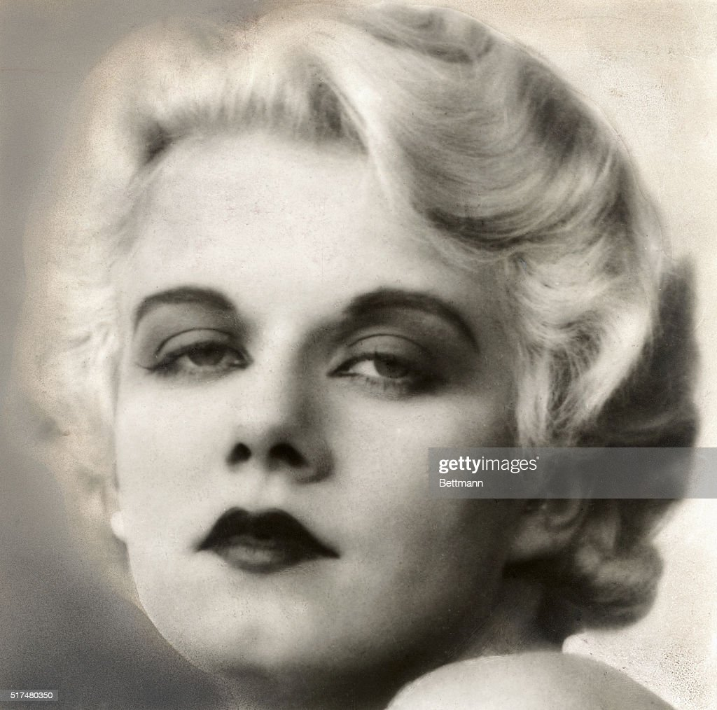 A publicity photo of <a gi-track='captionPersonalityLinkClicked' href=/galleries/search?phrase=Jean+Harlow&family=editorial&specificpeople=70012 ng-click='$event.stopPropagation()'>Jean Harlow</a> early in her career.