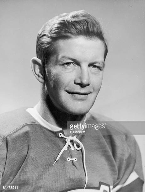 Publicity portrait of Canadian ice hockey player Erwin 'Murph' Chamberlain of the Montreal Canadiens mid to late 1940s