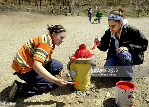 CORRECTION published Friday April 26 2002 A photo caption on page 1B Thursday incorrectly identified the organization that provided volunteers to...