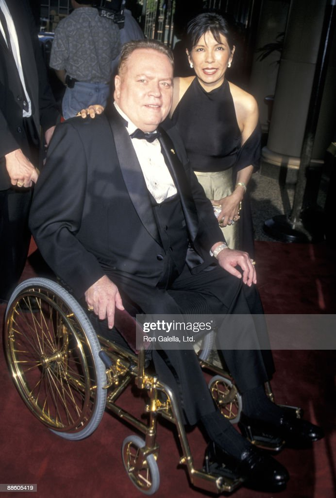 Publisher Larry Flynt and wife Elizabeth Berrios attend 'An Evening with Larry King and Friends' Gala to Benefit the Larry King Cardiac Foundations on May 8, 2000 at Regent Beverly Wilshire Hotel in Beverly Hills, California.