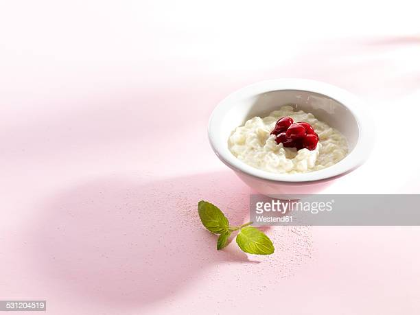 Pudding rice with compote