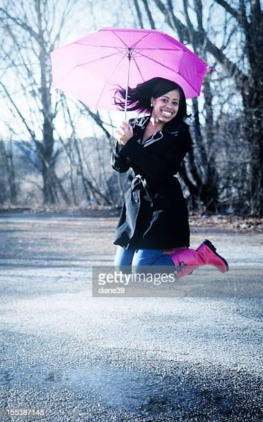 Flaque sauter à la pluie