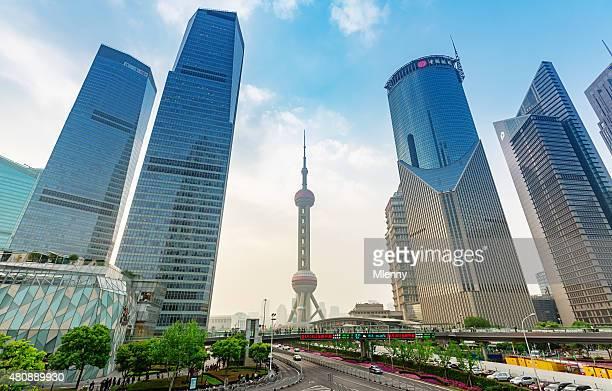 Die Wolkenkratzer in Pudong Shanghai, China