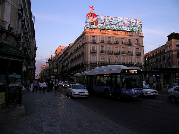 Publicidad stock photos and pictures getty images for Tio pepe madrid puerta del sol
