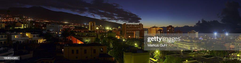 Puerto de la Cruz by night : Stock Photo