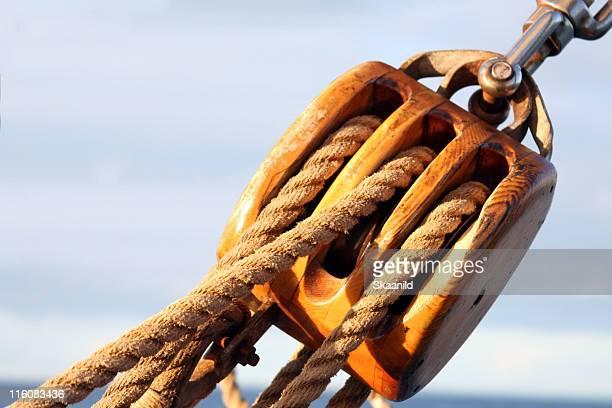Flaschenzug block von einer alten hölzernen Sail boat